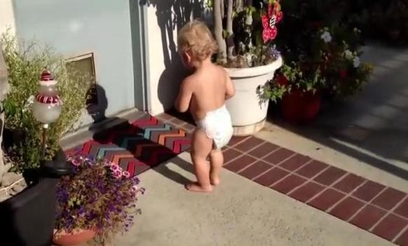 Babies see their shadows for the first time